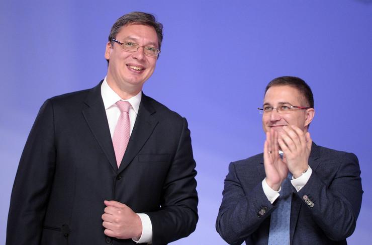 Kumovi Aleksandar Vučić i Nebojša Stefanović