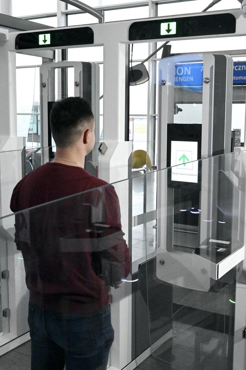 Automatyczne bramki na lotnisku już działają