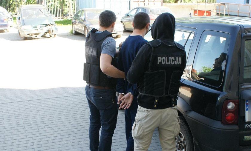 Policjanci zatrzymali nożownika. Ranił w Puńsku 5 osób