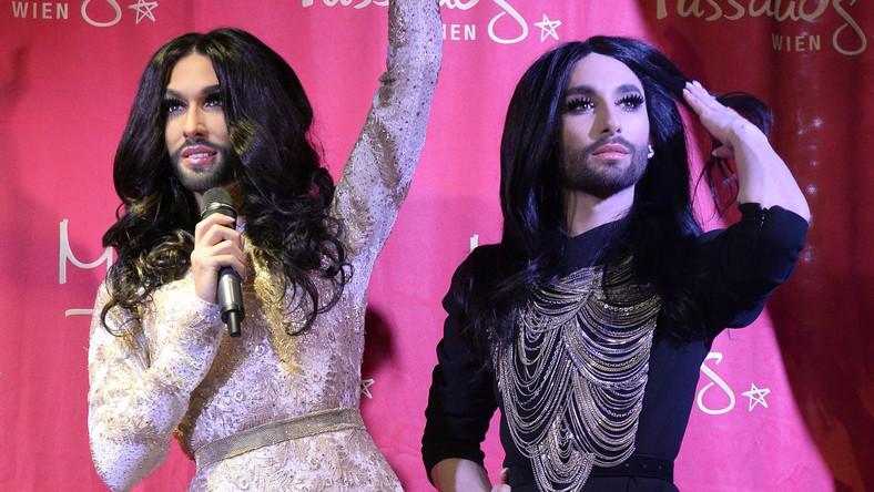 Woskowa Conchita ubrana jest w identyczną kreację, jaką miała na sobie, gdy wygrywała na Eurowizji. 60. jubieluszowa edycja imprezy wystartuje już 19 maja, a poprowadzi ją właśnie zwyciężczyni zeszłorocznego konkursu