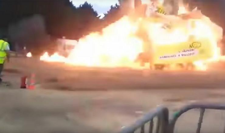 Eksplozija na karnevalu