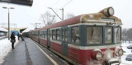 Panie marszałku, wyczyść te pociągi, a nie auta!