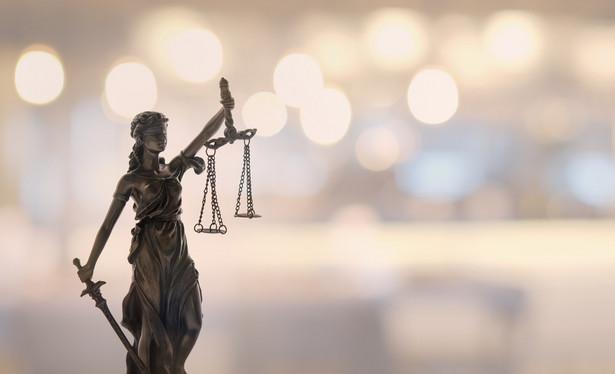 Obniżanie znaczenia aktu sędziowskiego powołania pozostawałoby w bezpośredniej sprzeczności z postanowieniami Konstytucji RP, wprowadzałoby chaos nie tylko w polskim wymiarze sprawiedliwości, ale również w pozostałych państwach członkowskich UE, a w końcu byłoby źródłem politycznych perturbacji w całej UE, a ich skali i przebiegu nie sposób w szczegółach przewidzieć.