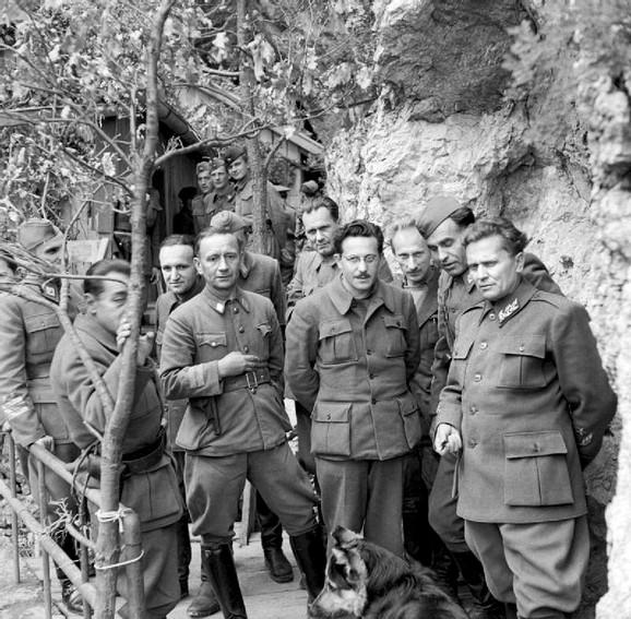 Josip Broz Tito sa drugovima