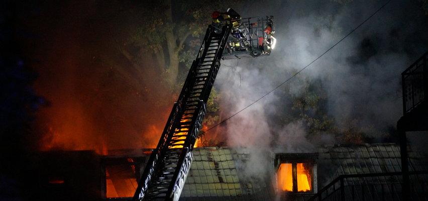 Tragiczny pożar w Piasecznie. W zgliszczach znaleziono ciało