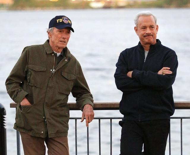 """Klint Istvud i Tom Henks na snimanju filma """"Čudo sa Hadsona"""""""