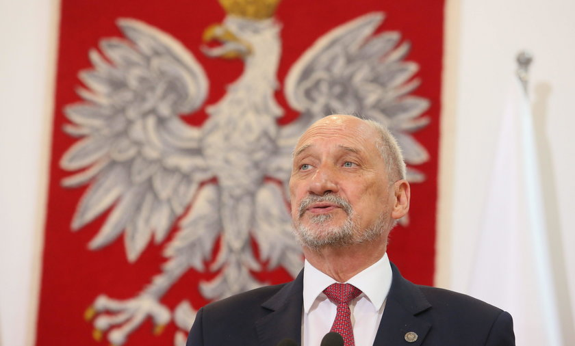 Macierewicz o opozycji i sądach: Atak hybrydowy przeciwko Polsce