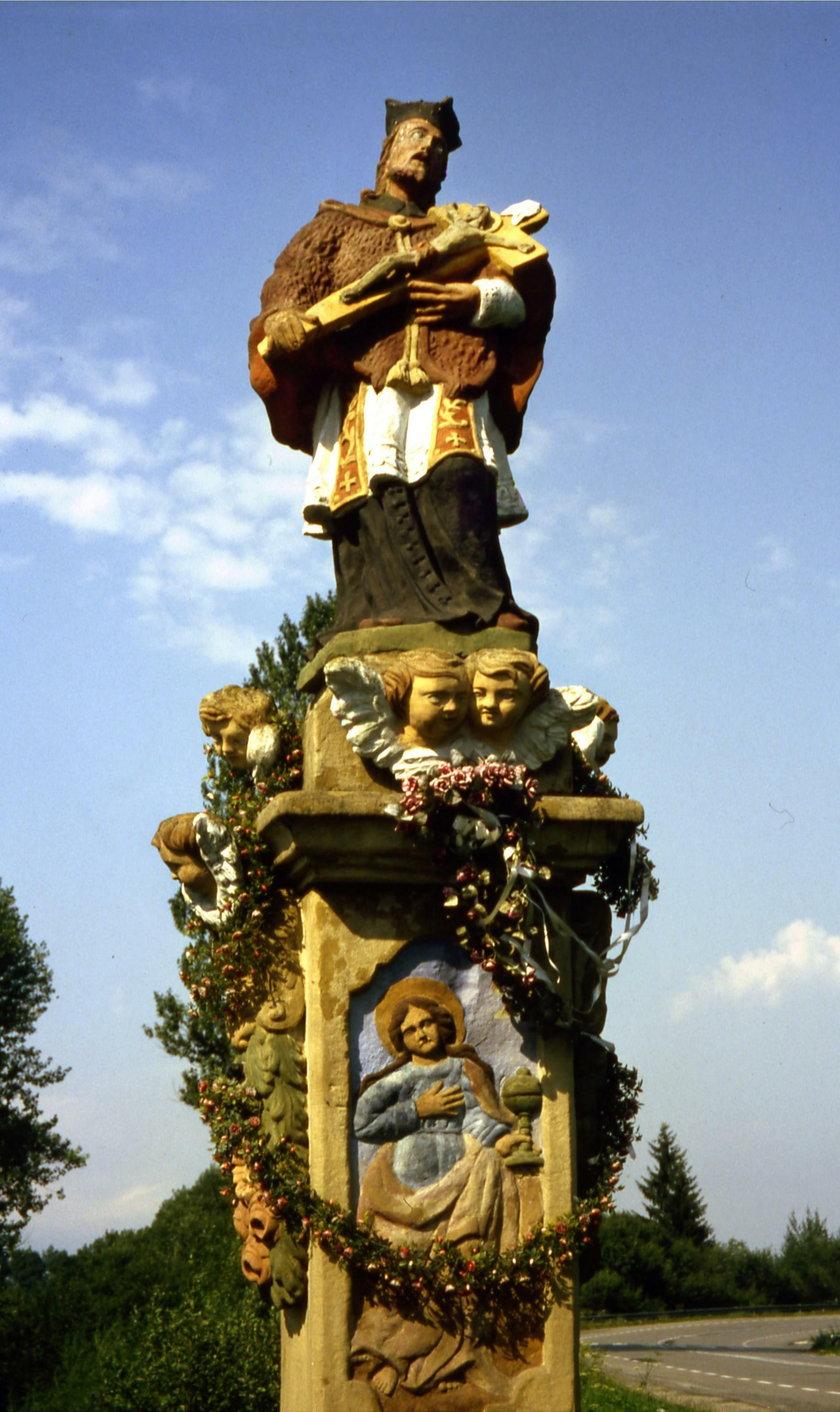 Figura św. Jana Nepomucena w Jabłonce pochodzi z 1752 r.