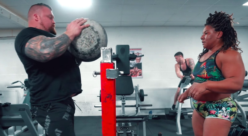 Watch Strongman Eddie Hall Coach Britain's Strongest Woman for the Arnold Classic