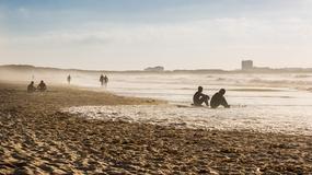 Surfing dla początkujących – gdzie łapać pierwsze fale?