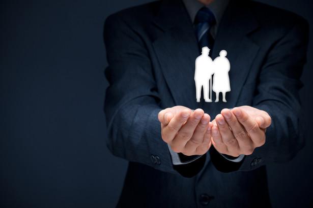 Może osobom, które nie wypracowały stażu uprawniającego do minimalnej emerytury, lepiej wypłacić zgromadzone składki jednorazowo.