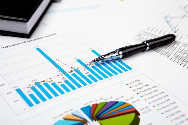 Dziewięciu analityków uwzględnionych w zestawieniu ISBnews spodziewa się, że wzrost PKB w całym 2012 roku wyniósł 1,9% (prognozy wahają się od 1,8% do 2,0%).