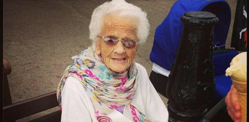 102 latka twierdzi że kluczem do długowieczności jest codzienna szklaneczka whisky