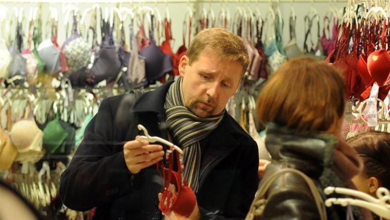 Dla kogo Migalski kupował stringi?