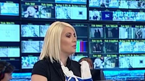 DEA ĐURĐEVIĆ POSLE 5 MESECI PONOVO VODI JUTARNJI! Evo šta je prvo izgovorila, Sarapa se umalo rasplakao! VIDEO