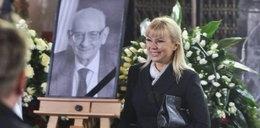 Bieńkowska roześmiana na pogrzebie. Internet wrze!