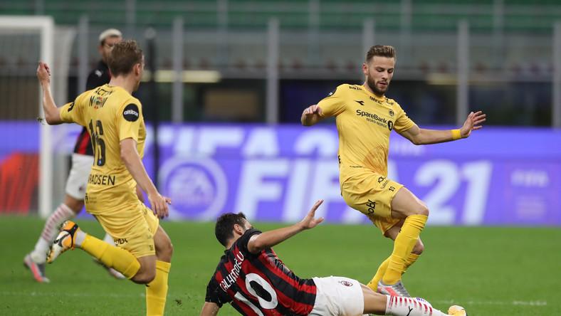 Piłkarze Bodoe/Glimt w meczu z Milanem