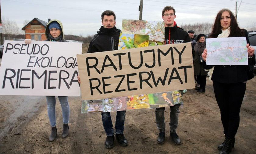Protest w Łodzi i Konstantynowie. Nie chcemy takiej kolei z CPK