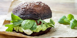 Burger w pieczarce portobello zamiast bułki
