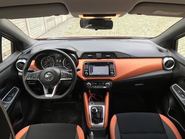 Na jakość materiałów z przodu trudno narzekać. Nissan Micra