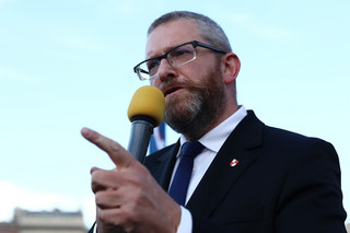 Braun: Konfederacja warunkowo poprze wprowadzenie stanu wyjątkowego