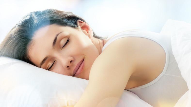 Najlepiej byłoby, gdybyś miał stałe godziny snu. Dzięki temu twój zegar biologiczny będzie działał bez zarzutu i sen sam będzie przychodził o konkretnej porze