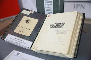 Do Muzeum Getta Warszawskiego trafi oryginał raportu Juergena Strooopa