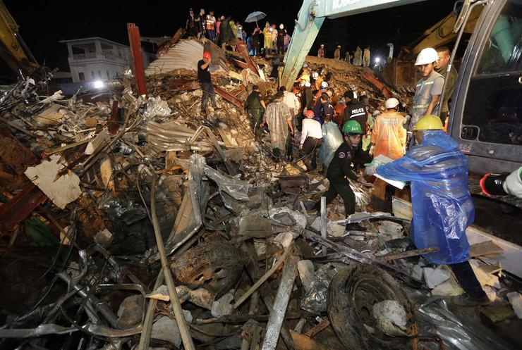 Kambodža, zgrada se srušila