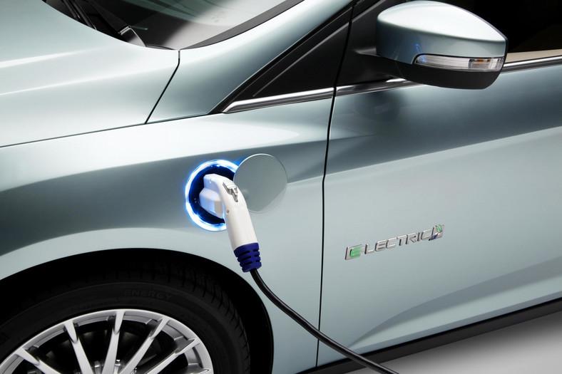 Ford planuje również europejską prezentację modelu c-max energi