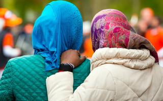 Neumann: Polska powinna przyjąć kobiety i dzieci z Syrii, miałaby argument w rozmowach z KE