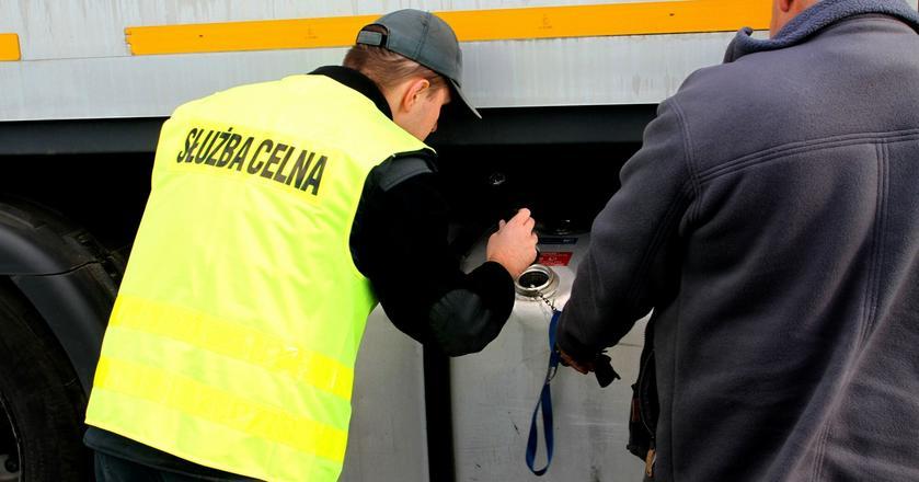 Ministerstwo Finansów chce ukrócić proceder wwożenia paliw do Polski