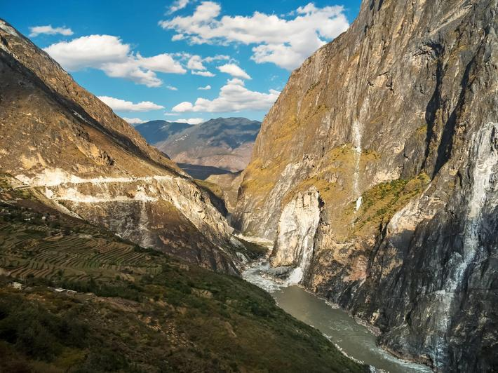 Tiger Leaping Gorge, Yunnan in China, canyon of Jinsha River