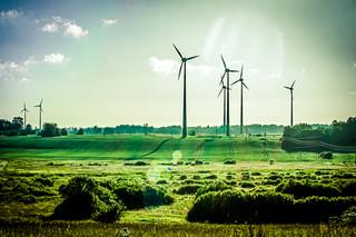 PKN Orlen planuje dalszy rozwój w energetyce wiatrowej na morzu i lądzie