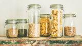 Jak skutecznie zwalczyć mole spożywcze?