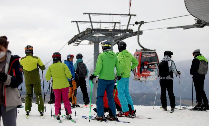 Mimo zakazów pojechali na narty. Turyści w Austrii karani mandatami