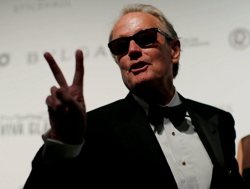 FILE PHOTO: Actor Peter Fonda gestures during the 2017 Elton John AIDS Foundation Academy Awards Vie
