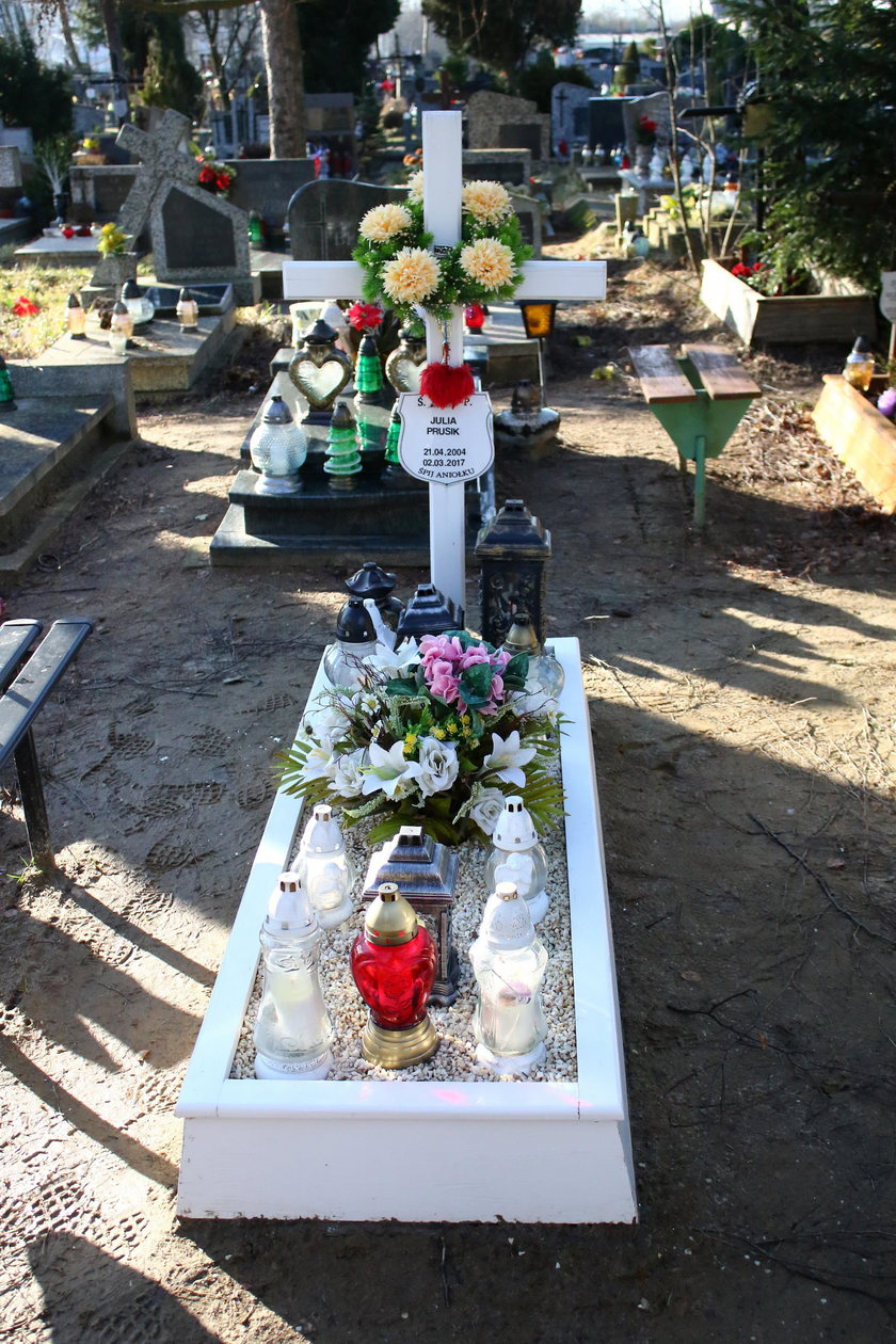 Tak wygląda teraz grób Julii