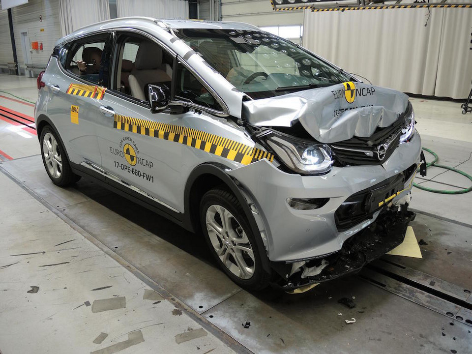 Opel Ampera-e – crash-test