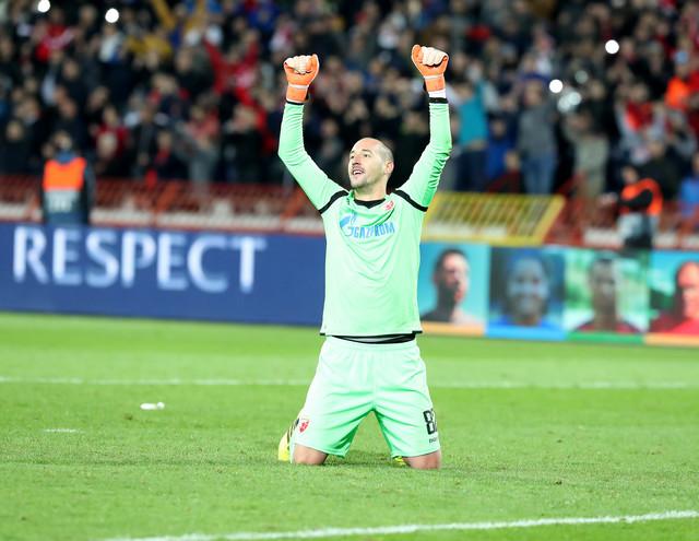 Milan Borjan proslavlja gol Pavkova