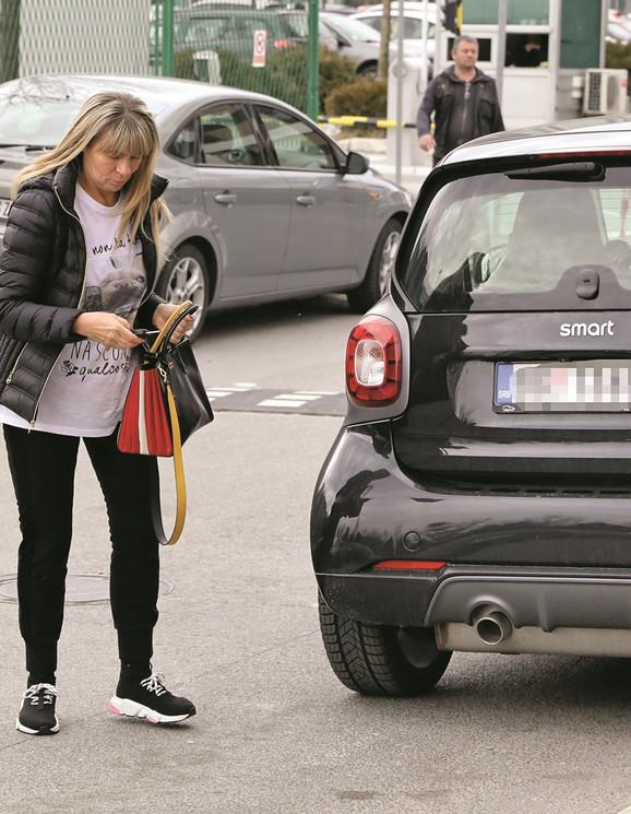 Suzana Jovanović, supruga Saše Popovića i parking