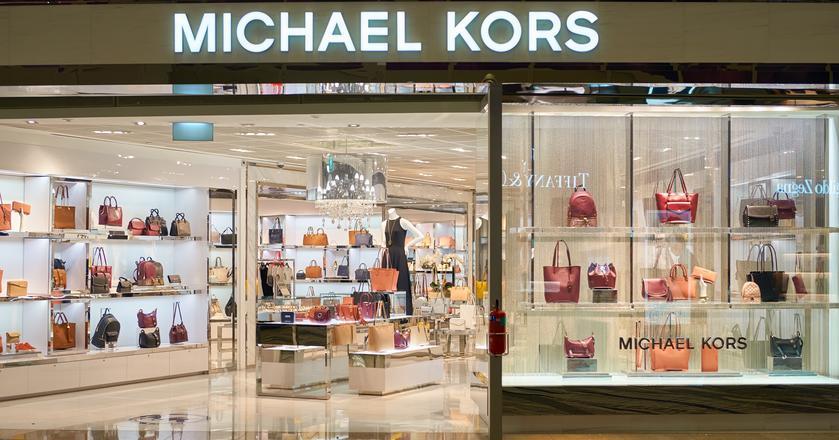Michael Kors sprzedaje luksusową odzież, obuwie, perfumy, torebki czy zegarki