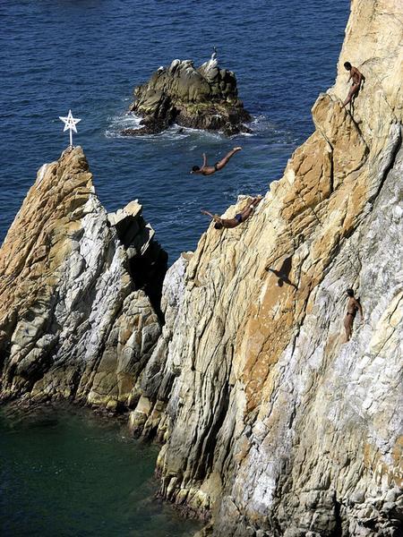 Skoki ze Skały Śmierci - La Quebrada w Acapulco