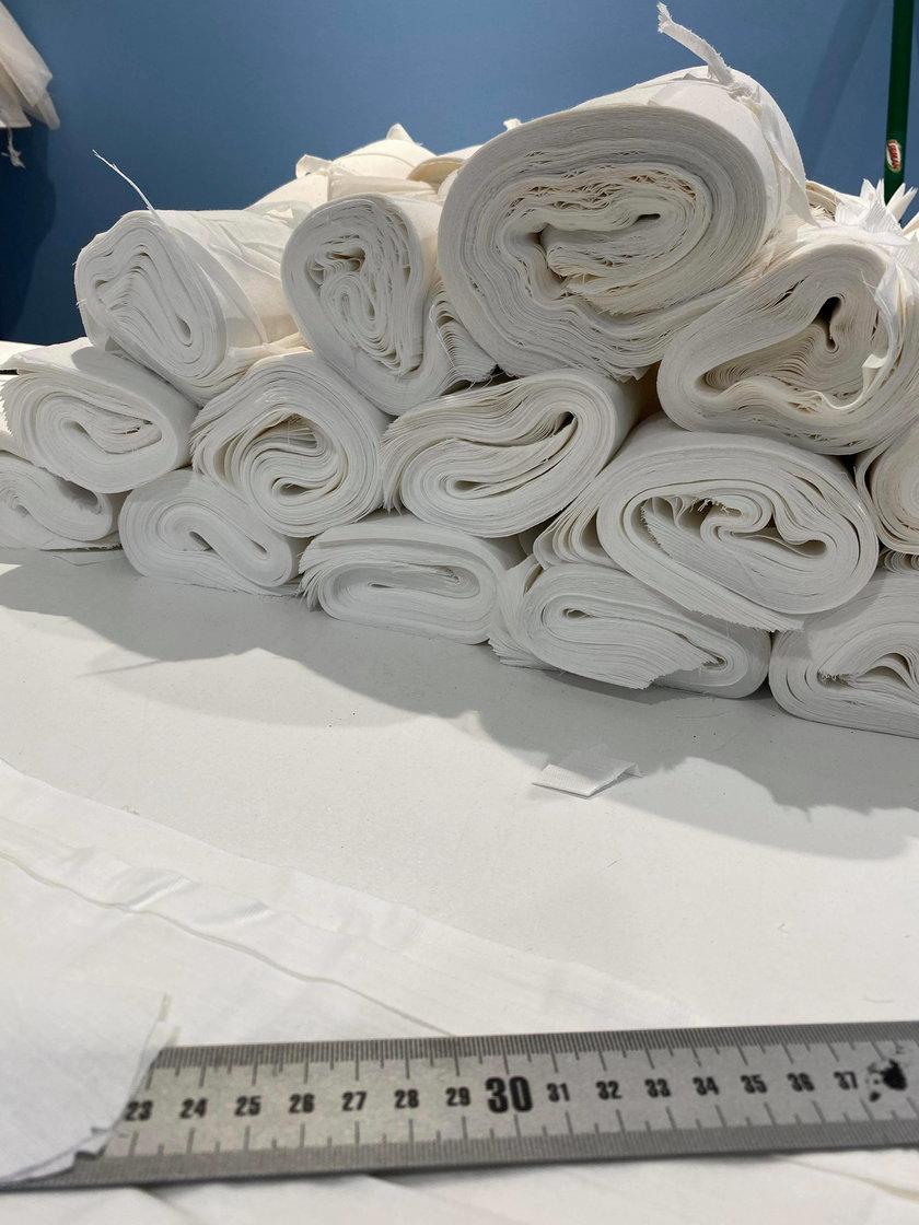 Koronawirus w USA: Polki szyją maseczki dla szpitali