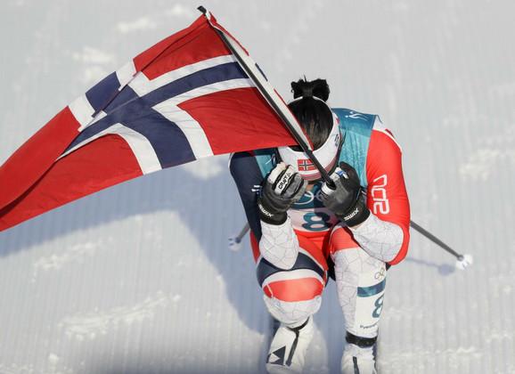 Zastava - uvek i svuda sa norveškim olimpijcima