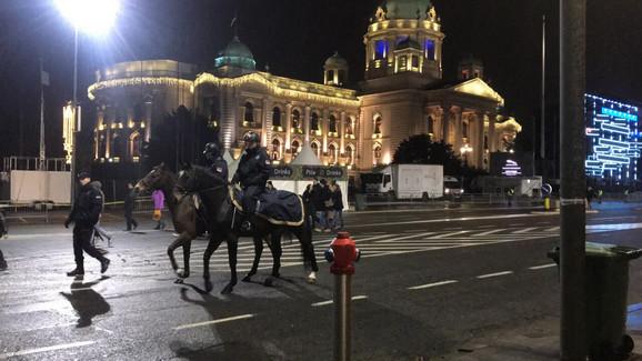 O bezbednosti posetilaca računa vode i policajci na konjima