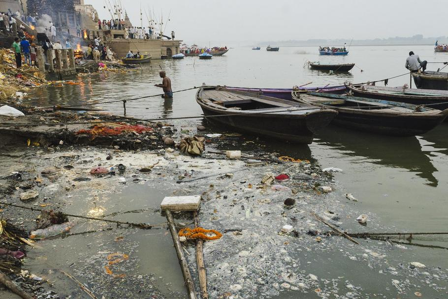 Contaminating Ganges of Varansi, India.