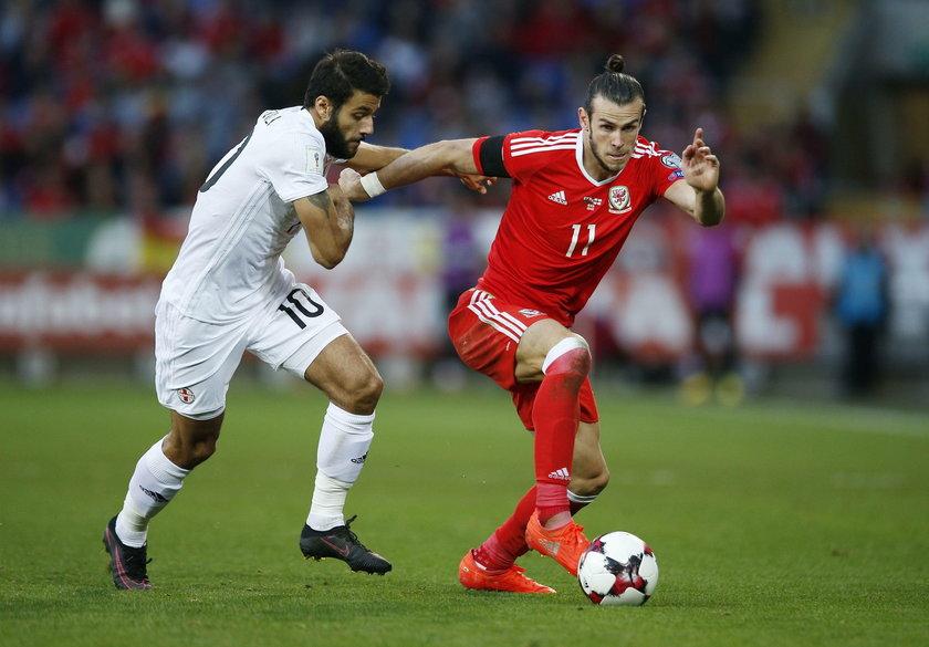 Kosmiczny kontrakt Bale'a