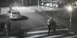 Atak na policjantów w Poznaniu. Spryskali ich gazem! [FILM]
