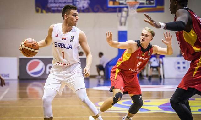 Uprkos odličnom turniru Vukašina Mašića, reprezentacija Srbije ispod 18 godina završila je tek deseta na EP