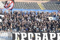 """""""GROBARI"""" SU JASNO ISKAZALI NEZADOVOLJSTVO Večiti derbi je dan D za upravu Partizana"""
